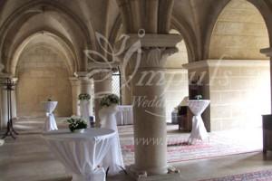 Bojnice_castle_column_hall_1