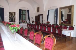 Castle_saloon1_rectangular_tables