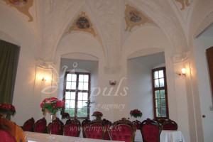Castle_saloon2 - rectangular_tables