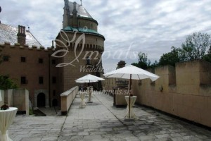 Castle_terrace_1