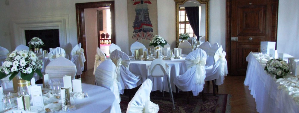 castle_saloons_small_wedding_venue